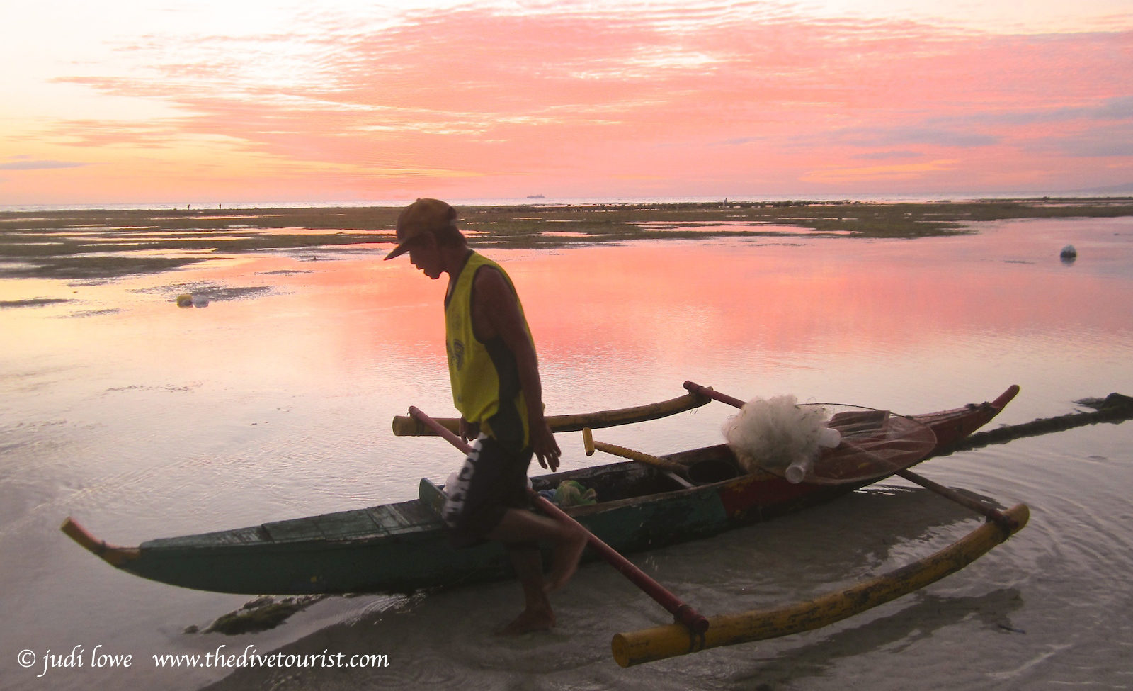 Local fishers of Oslob
